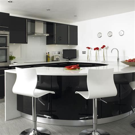 Black White Kitchen Designs Black And White Kitchen Ideas Kitchen Design Ideas Kitchen Remodeling Kitchen Refacing