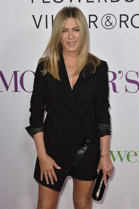 s day premieres 2014 aniston mothers day premiere 15 gotceleb