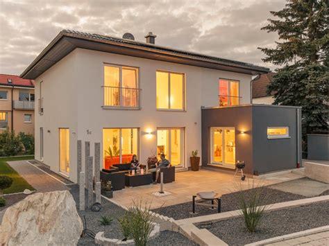 moderne häuser mit walmdach fertighaus luxhaus walmdach 179