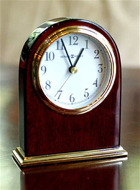 howard miller simon desk clock gifts clocks golf com store