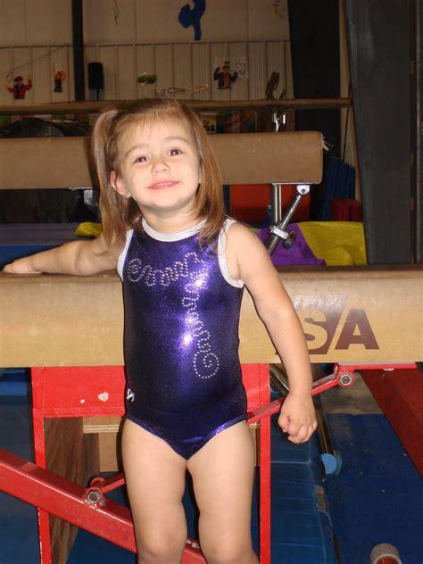 gymnastic little girl little girl gymnastics