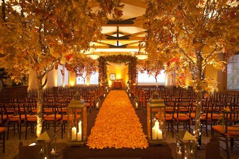 Event halls and wedding planners are gearing up for fall wedding
