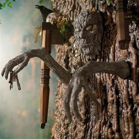 13 Scary Outdoor Halloween Decorations   Yard Decorations
