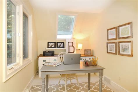 Remodelaholic   $250 Budget Home Office Makeover with DIY