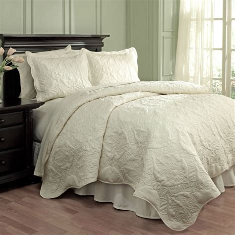 Ivory Matelasse 3pc Coverlet Set by Dressed Up Damask Taupe By Waverly Bedding
