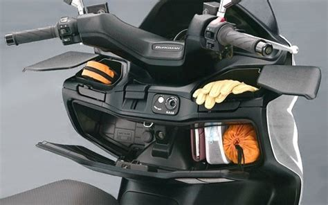 Motorrad Mieten Athen by 2010 Suzuki Burgman 400cc Motorroller Verleih In Kreta