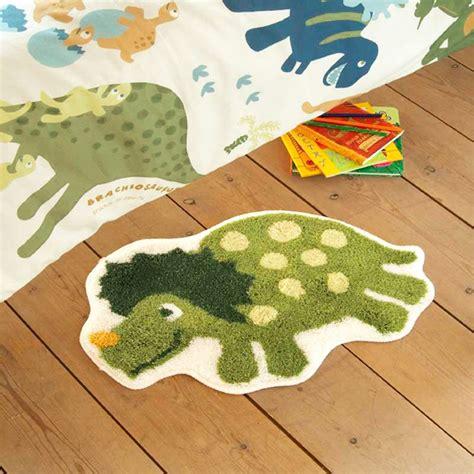 schlafzimmerboden teppiche jungen schlafzimmer charakter teppiche wars minions