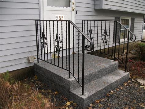 Outdoor Banisters And Railings by Simple Outdoor Steps Ideas On Front Porch And Backyard