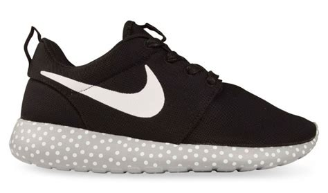 Roshe Run Go nike roshe runs go graphic on the soles sole collector