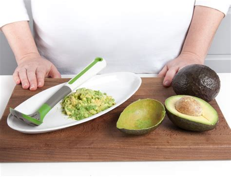 Avocado Masher It Or It by How It Works Chef N Freshforce Avocado Scoop And Masher