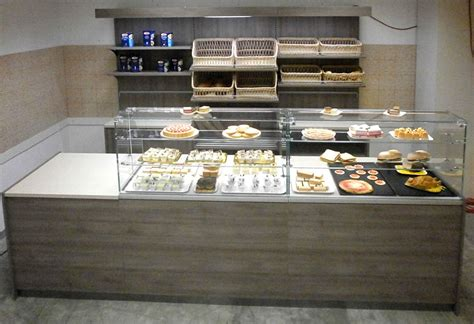 arredamento vetrine arredamenti per negozi banchi e vetrine neutre e refrigerate
