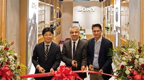 sony opens   camera store offers exclusive discounts channel post mea