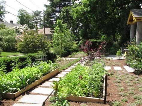Front Yard Vegetable Garden by Front Yard Vegetable Gardens Garden Inspiration