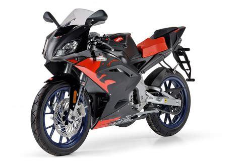 50ccm Motorrad Rs 50 by 50ccm Moped Das Optisch Aussieht Wie Ein Motorrad Auto