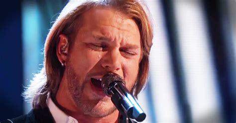 who sang rugged cross voice winner sings rugged cross