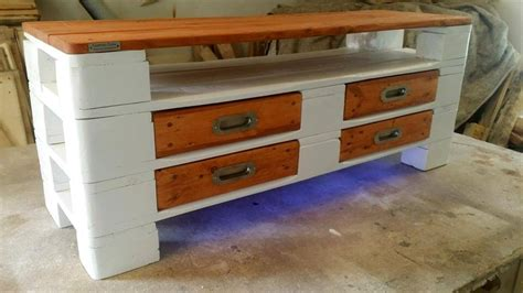 Painted Pallet Coffee Table Painted Wood Pallet Coffee Table Led Lights 101 Pallets