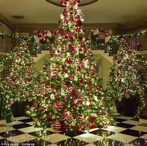 kim kardashian christmas tree 2013 khloe kardashian christmas tree www imgkid the