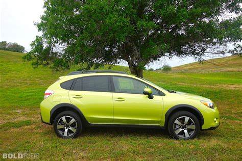 subaru xv green subaru crosstrek hybrid and reviews motor1 com