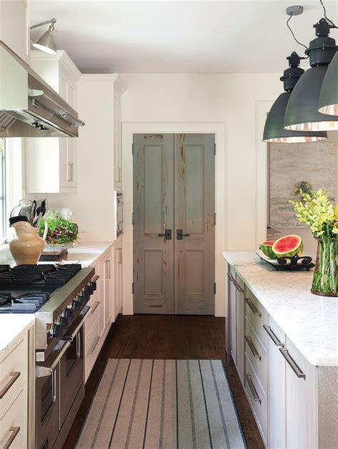 kitchen closet doors best 25 pantry doors ideas on