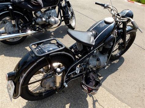 Oldtimer Motorrad Emw R35 by Motorr 228 Der 24 Fahrzeugbilder De