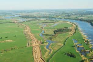 what are flood plains floodplains and levees on emaze