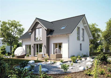 fassade grau familienhaus aura kern haus gartenfreunde aufgepasst