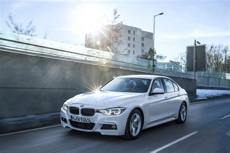 Bmw In Hybrid by Bmw 330e Iperformance Sport In Hybrid Launched In