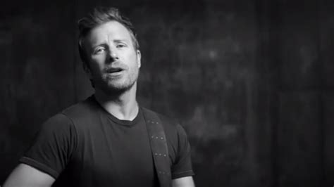 dierks bentley debuts different for on