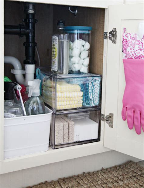 under kitchen sink organizing ideas iheart organizing everything under the kitchen sink