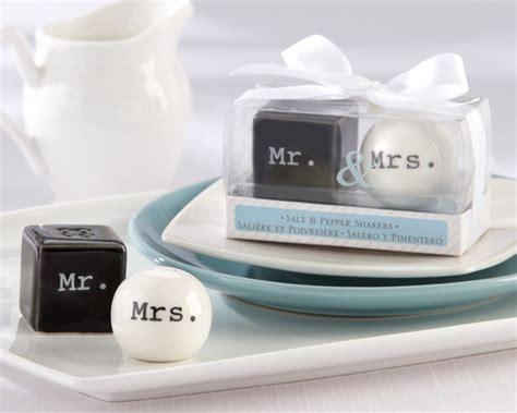 wedding salt and pepper shakers ceramic salt pepper shakers wedding favors newfavors