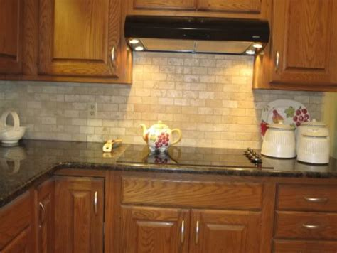 chosing a backsplash with black granite counters