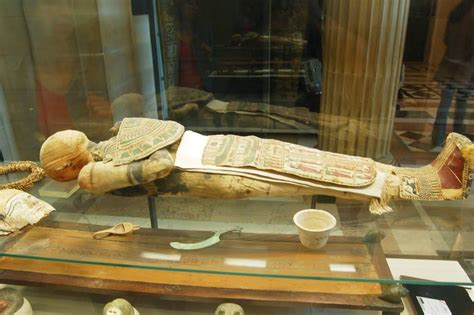antichi vasi funebri la vita oltre la morte