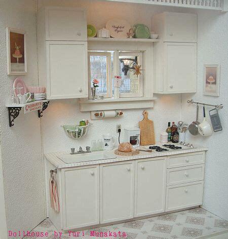 dollhouse kitchen cabinets best 25 miniature kitchen ideas on pinterest diy