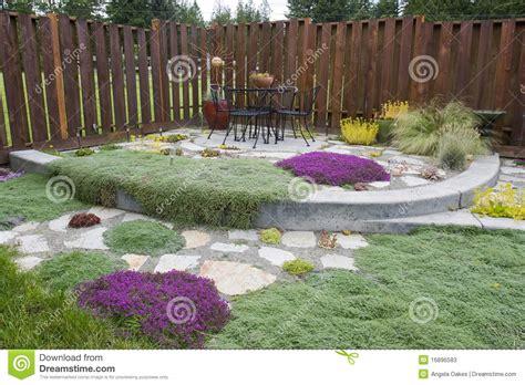 giardino esterno giardino esterno patio immagine stock immagine di