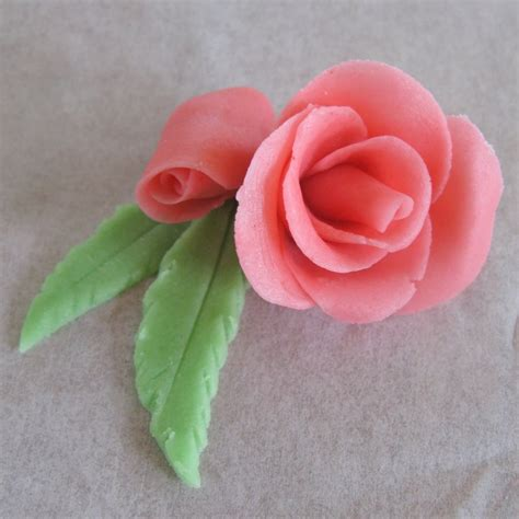 making marzipan roses