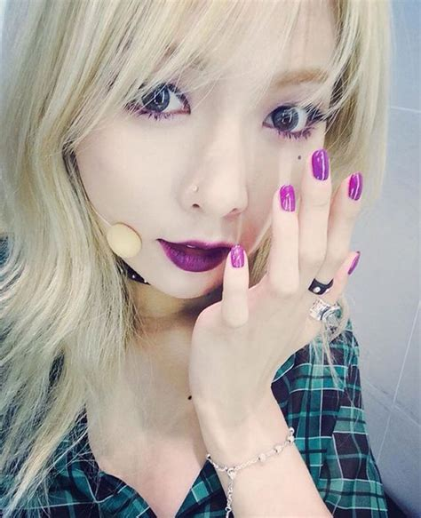 hyuna tattoo news hyuna roll deep a album instagram kpop drama girls