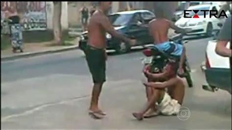 jornal hoje v 237 deo mostra homem matando suspeito de roubo