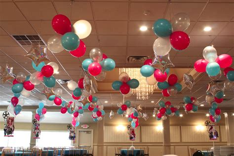 Easy Last Minute Decor Balloon Ceiling by Best 25 Balloon Ceiling Decorations 28 Images Best 25
