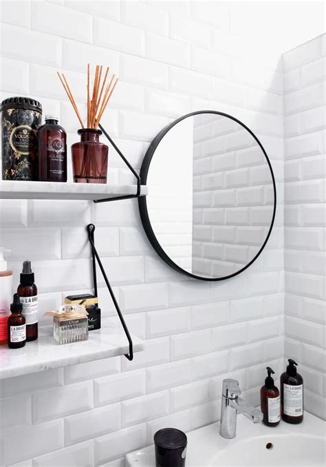 piastrelle bianche oltre 25 fantastiche idee su bagni in piastrelle bianche