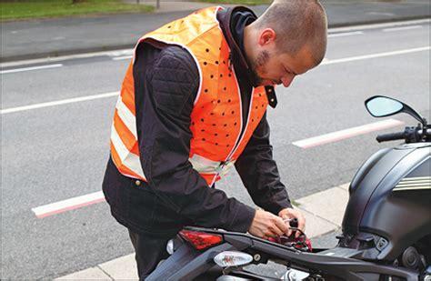 Motorrad Fahren Warnweste by Warnwesten Pflicht Im Ausland Tourenfahrer Online