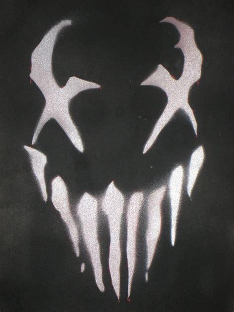 spray paint faces venom stencil kettlebell painting ideas