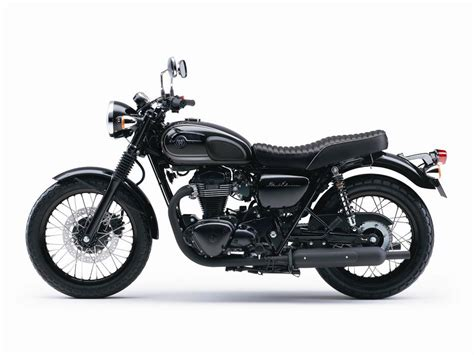 2015 Kawasaki W800 Black Edition Is as Elegant as It Gets