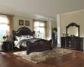 Ashley Bedroom Set Mattiner Poster Bedroom Set B682 By Ashley Queen King