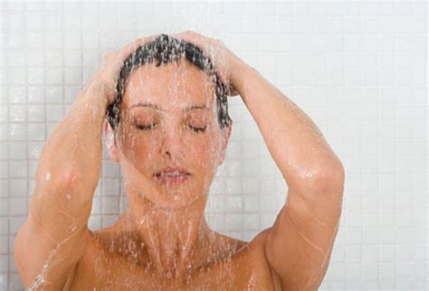 Pictures Of Taking A Shower by Slideshow 10 Tips To Soothe Your Or Colicky Baby