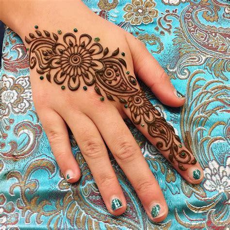 stick on henna tattoo and simple design henna henna para hombres tatuajes