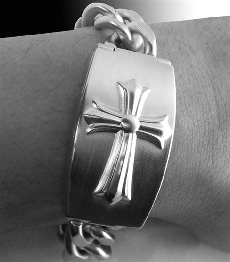 guess stainless steel cross mens bracelet 10573g1