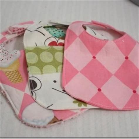 Handmade Baby Shower Gift - 17 best images about burp cloths and bibs on