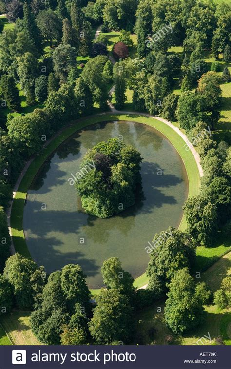 where is princess diana buried aerial view of the oval lake and island where princess