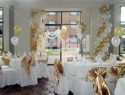 arreglo de salon para comunion 50 ideas para decoraci 243 n de primera comuni 243 n ni 241 o y arreglo salon globos dorados imagui