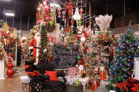 traditional christmas decorations miss cayce s christmas 17 best images about christmas trees by show me decorating